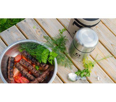 Классический термос для еды Горло шире, чем у стандартных термосов для еды Кнопка от присасывания в крышке - легче открыть Компактная модель - помещается в сумке и рюкзаке